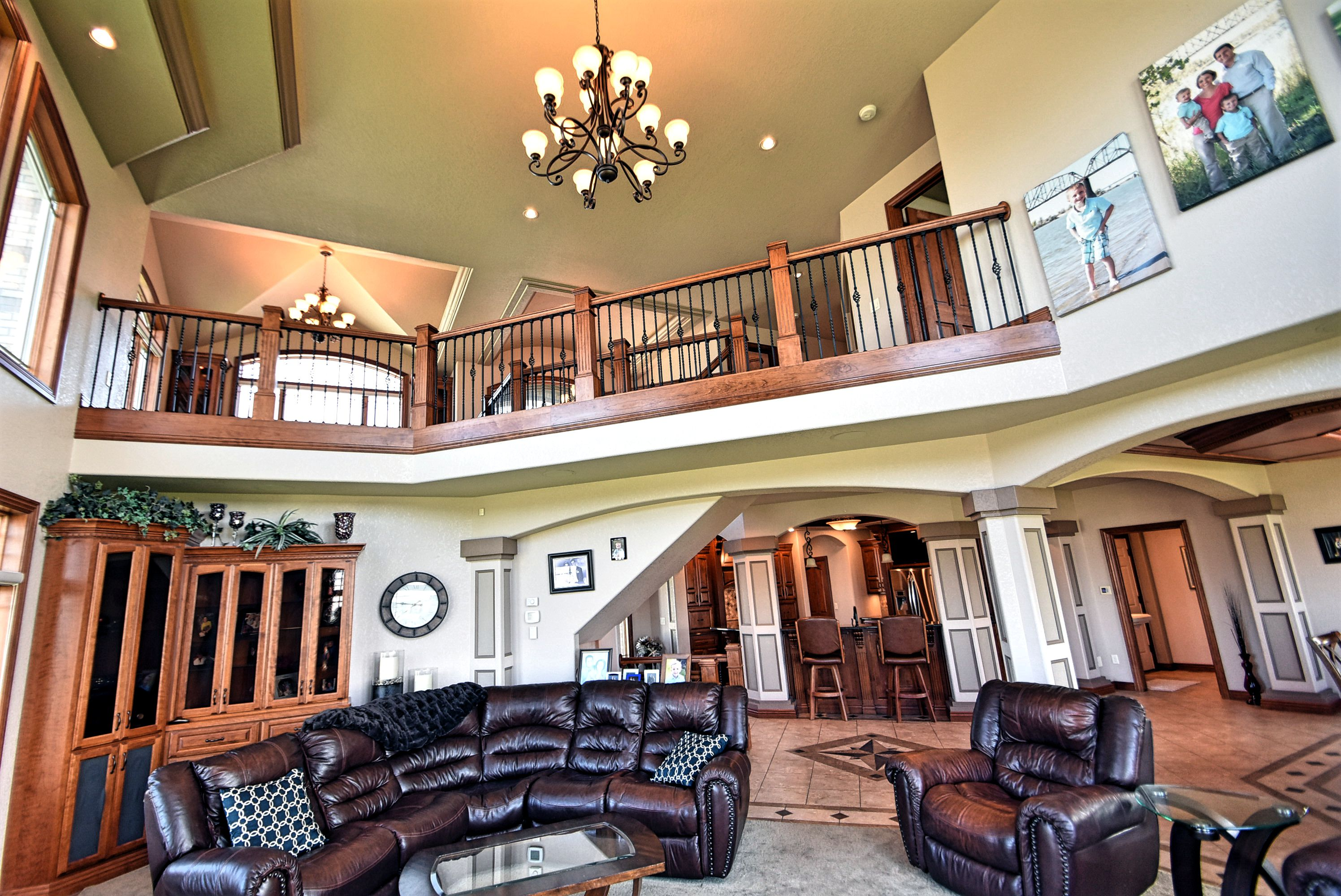 Open railing above family room.